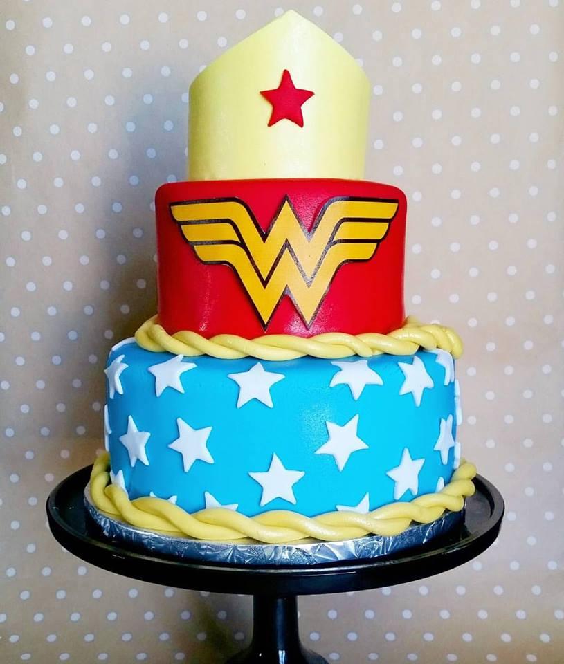 Wonder woman Cake.jpg