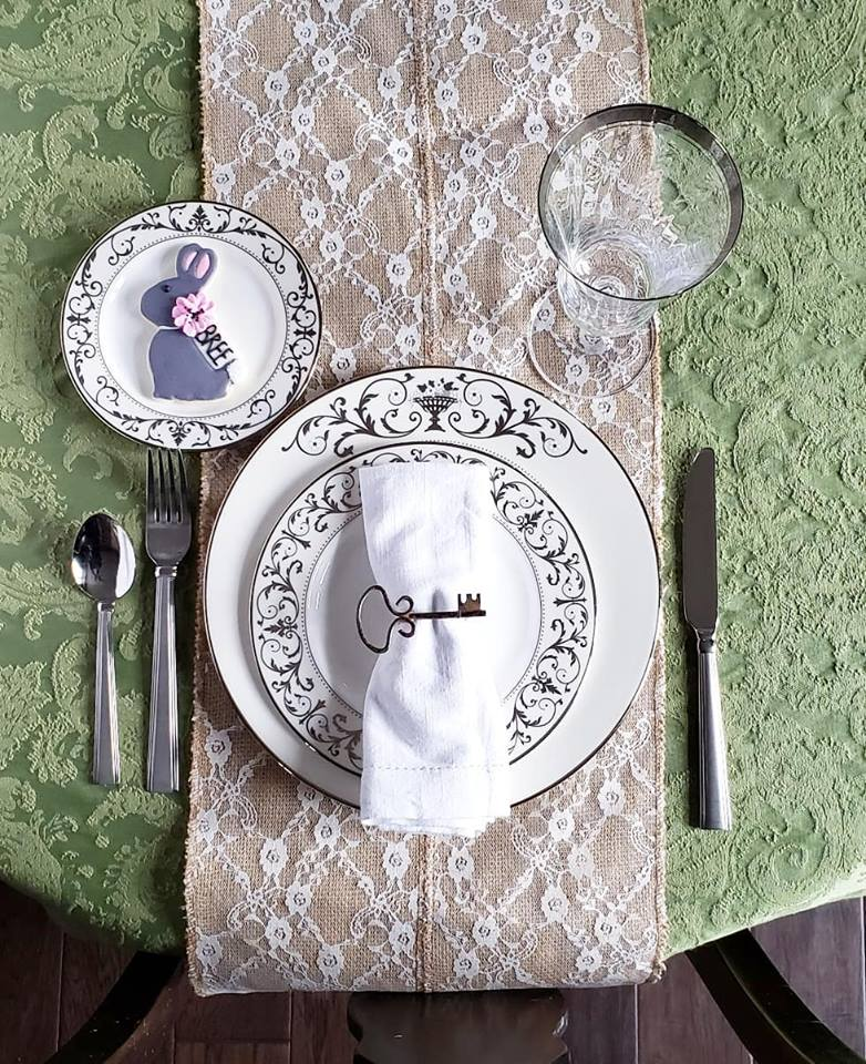 Easter Place Setting bunny.jpg