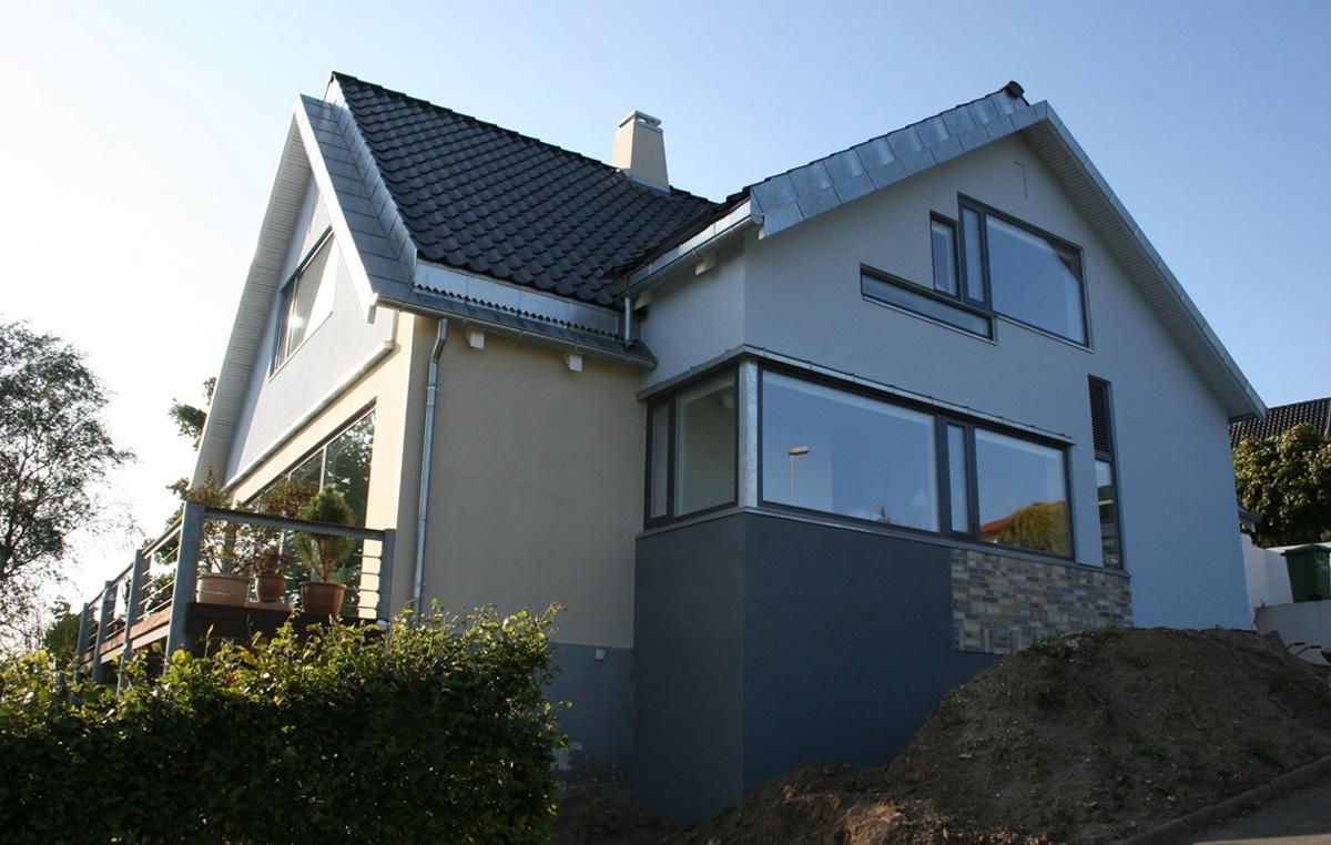 2. Ny facade før haveanlæg 16.23.37.jpg