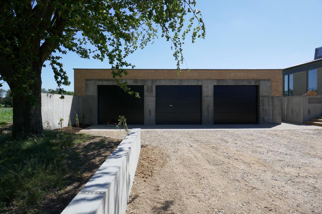 3 garageporte.jpg