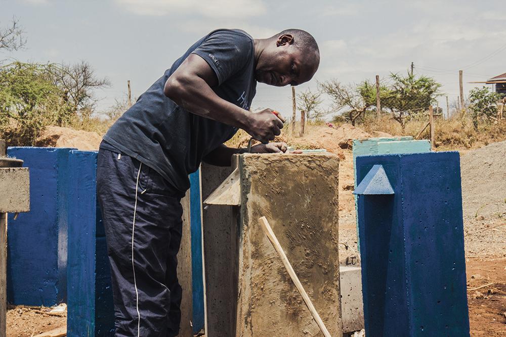 - Mit nur knapp 30 € kann ein Filter hergestellt werden. Damit kann eine Großfamilie oder sogar eine ganze Schulklasse mit sauberem Trinkwasser versorgt werden. Informieren Sie sich über unser Projekt, werden Sie Fördermitglied und schreiben Sie uns bei Fragen oder Anliegen gerne an. Wir freuen uns über jegliche Unterstützung! Asante sana!