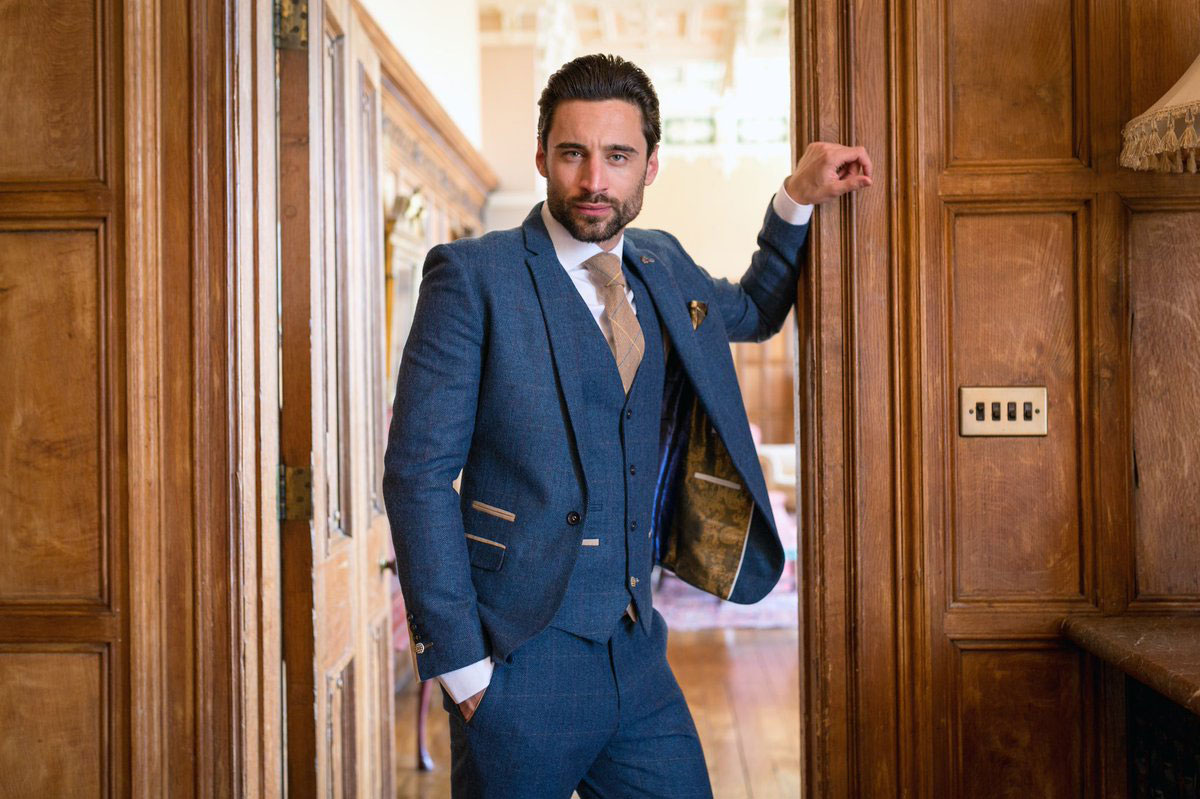 Marc Darcy - Look suave and make a statement in a stylish Marc Darcy suit! Always a popular choice, Gilt Edged is now an official distributor of one of the best suits around.