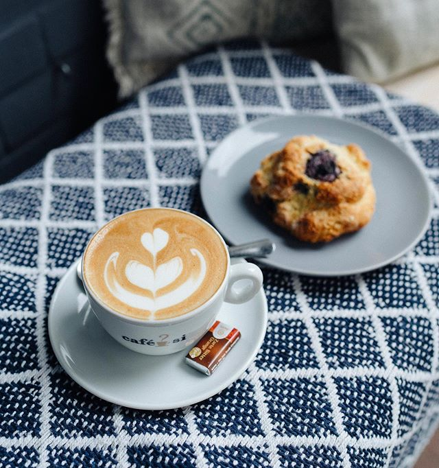 The best fair trade coffee shop in Mainz now has full table service! ⠀⠀⠀⠀⠀⠀⠀⠀⠀ Now, no more waiting in line. We will happily serve you at your table. 😃 ⠀⠀⠀⠀⠀⠀⠀⠀⠀ The Good Coffee in Mainz is a great place to meet with friends, read a good book, or get focused work done. ⠀⠀⠀⠀⠀⠀⠀⠀⠀ ⠀⠀⠀⠀⠀⠀⠀⠀⠀ ⠀⠀⠀⠀⠀⠀⠀⠀⠀ #mainzeraltstadt #mainzcoffee #mainzkaffee #mainz #cappuccino #latteart #scones #breakfast #frühstück #localbusiness #keepitlocal #fairtrade #fairtradecoffee #directtrade #fairgehandelt #gepafairtrade #tableservice #baristart