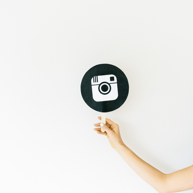 How To Create Instagram Story Covers - A step-by-step tutorial on how to make those pretty Instagram covers for your saved stories.