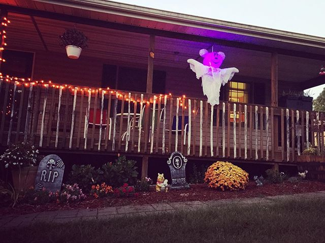 Slowly decorating for the season. I need more lights. 😆🎃 #Halloween