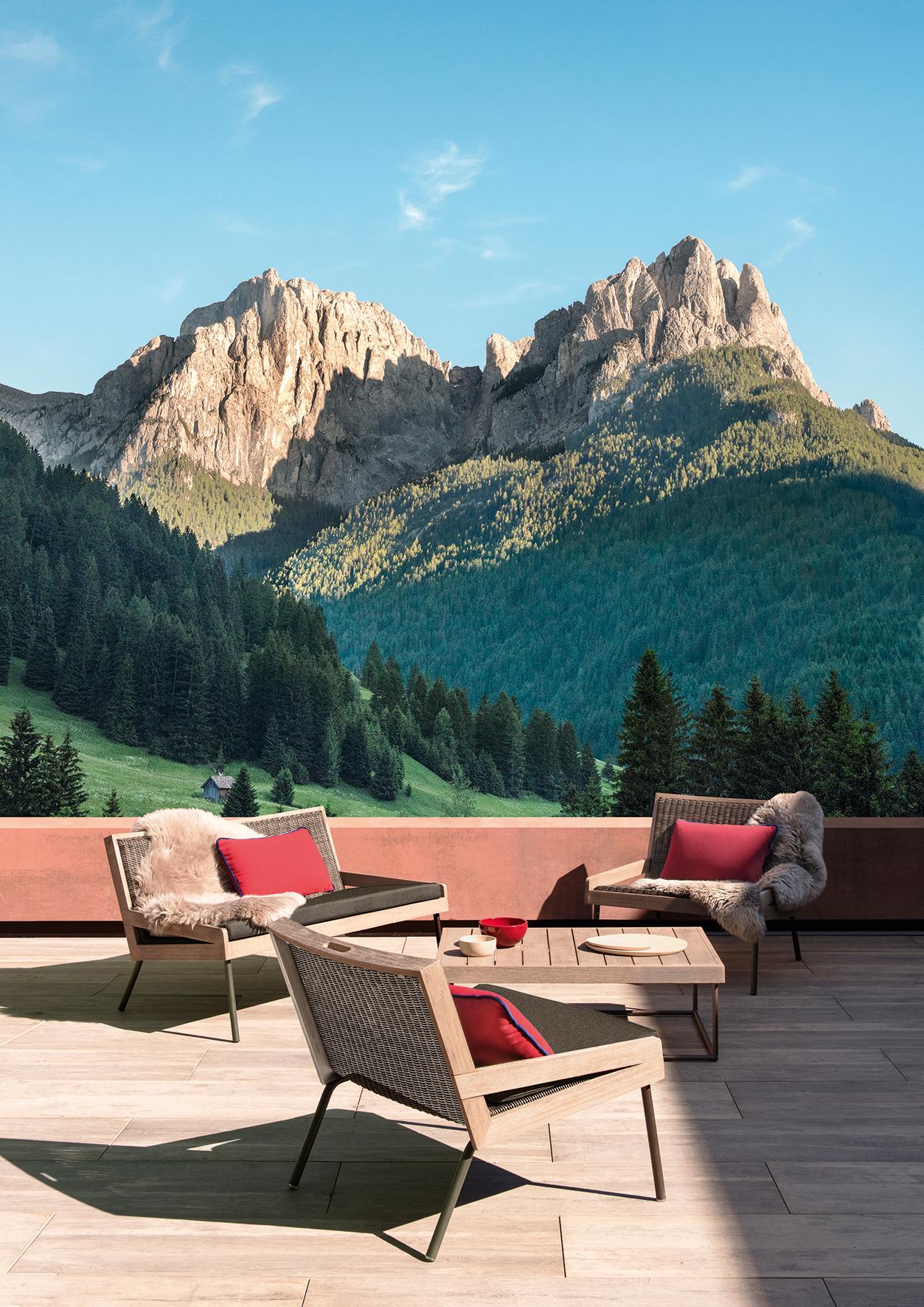 A_Mountain_lounge.jpg