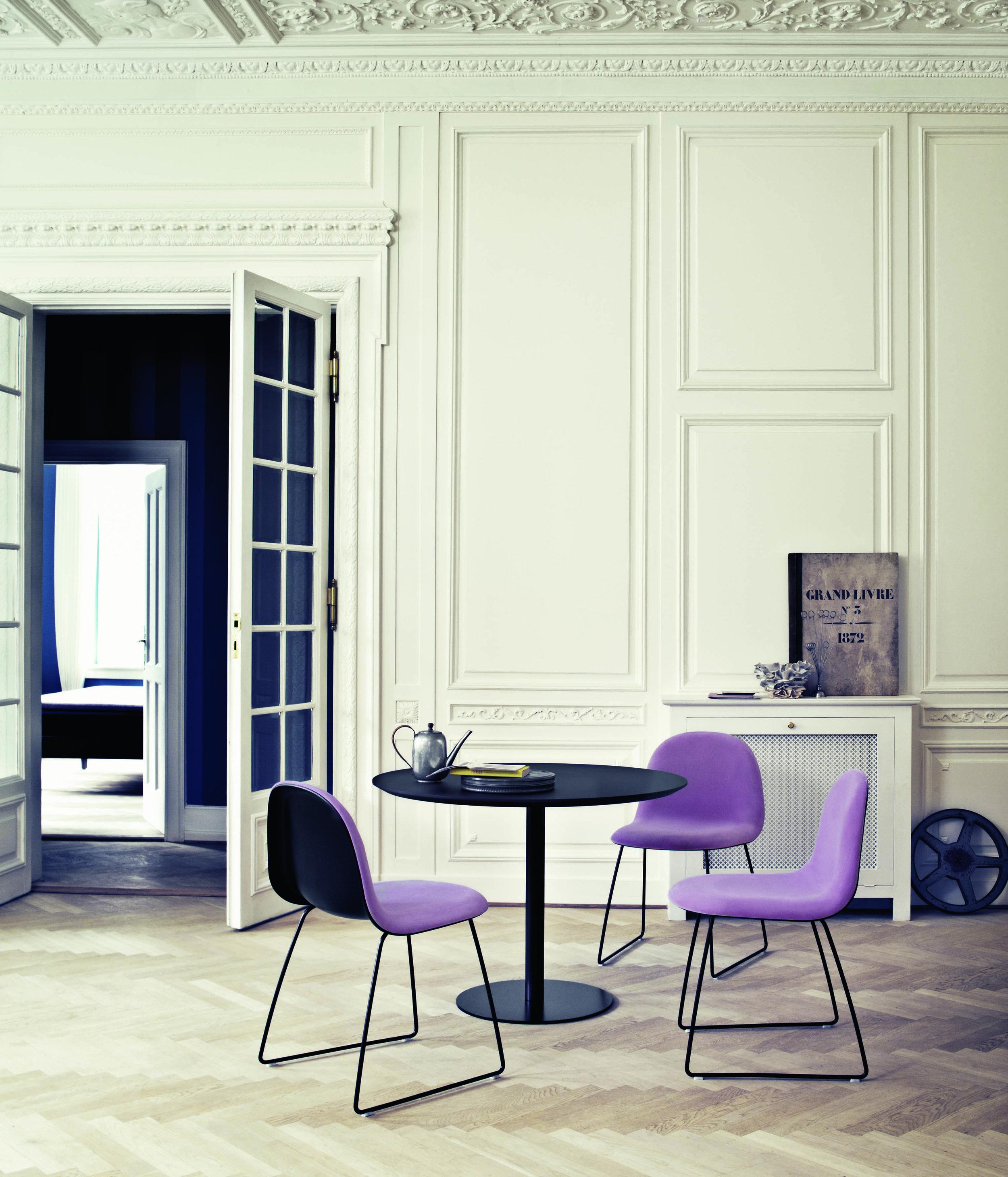 Gubi 12 chair - sledge base - Danish Art Weaving Holmens 13_Gubi Table 2.0 - black.jpg