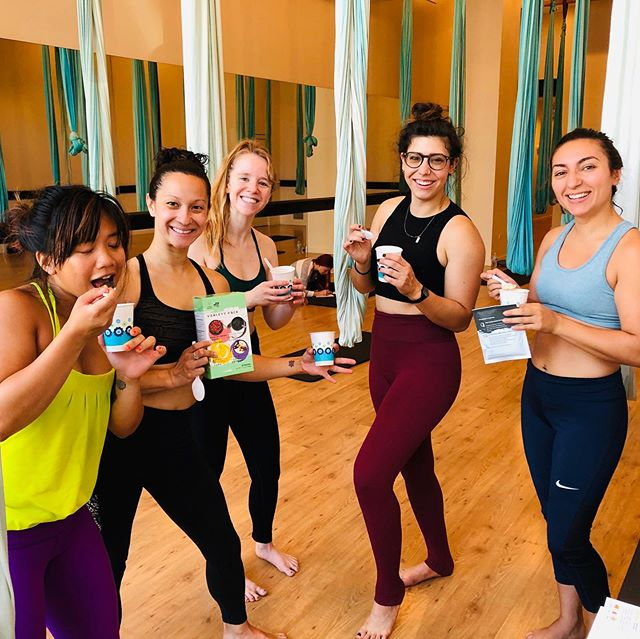 We love starting our day with the magic of a warm @cravenaturalfood breakfast and aerial yoga at @airfitchicago! How about you? 🌅🧘♀️ - - - #cravenatural #elevateyourcore #foodtasting #airfitnow #aerialyoga #healthybreakfast #chicagoyoga #yoga #fitness #yogalife #yogainspiration #love #namaste #transformationtuesday #mindfulness #yogalove #gym #yogateacher #yogapractice #yogaeverywhere #workout #wellness #yogaeveryday #health #motivation #fitnessmotivation