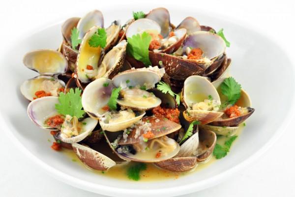 manila clams.jpg