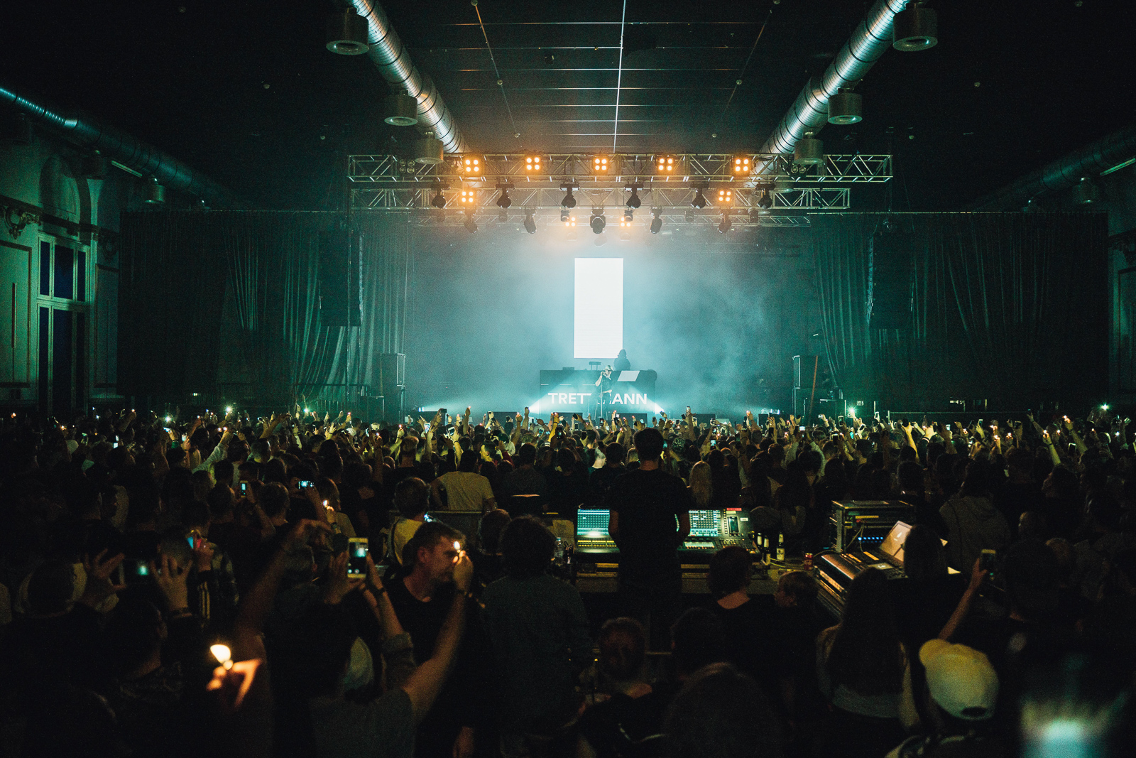 2019_RebeccaRuetten_Web_Spotify-8.jpg