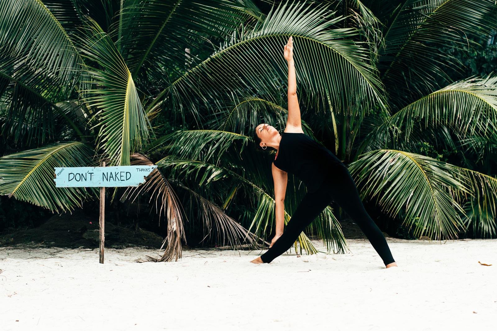 2019_RebeccaRuetten_Web_Yoga-4.jpg