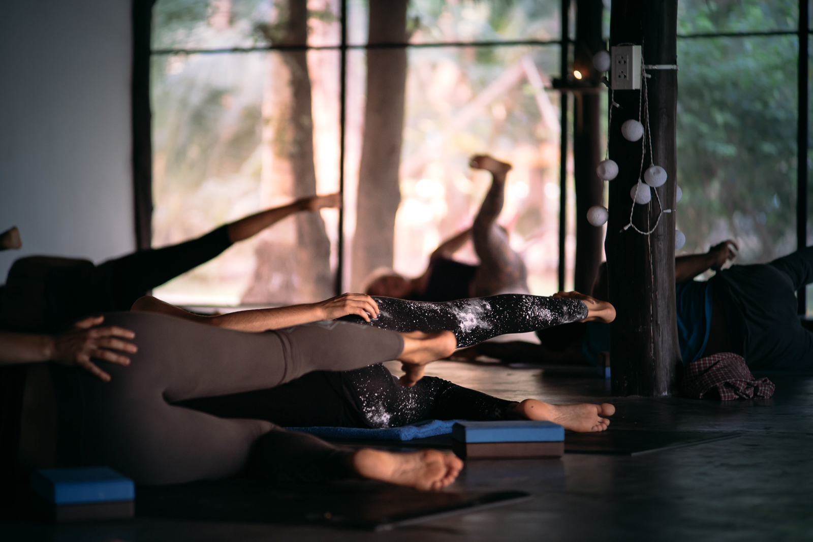2019_RebeccaRuetten_Web_Yoga-38.jpg