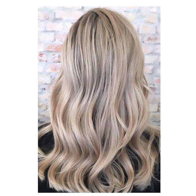 #kevinmurphyproducts #enghavevej70 #kevinmurphy #frisørvesterbro #balayage #kevinmurphycolorme #olaplex #frisør #blondorwella #blondor