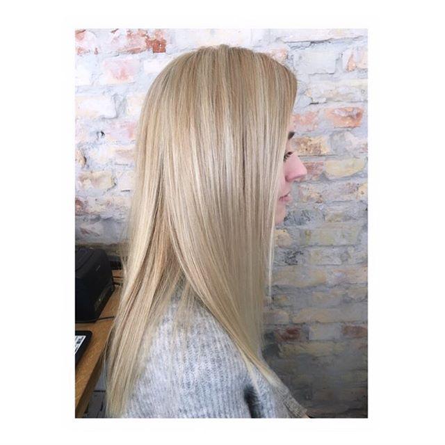 #babylights #kevinmurphyhair #kevinmurphyproducts #kevinmurphy #blondor #blondorwella #olaplex #kevinmurphycolorme #frisør #frisørvesterbro #enghavevej70