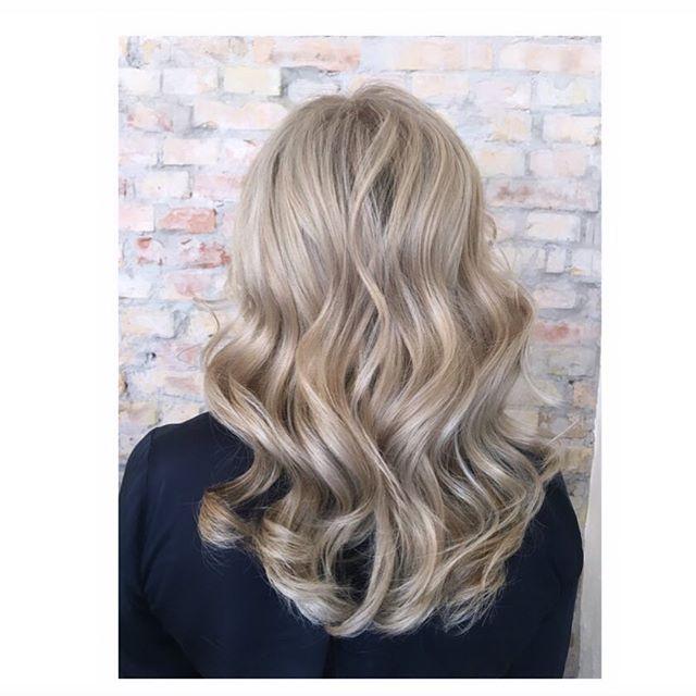 Cold blonde. #kevinmurphyproducts #kevinmurphy #frisørvesterbro #frisør #longhair #kevinmurphycolorme #blondor #blondebalayage #kevinmurphyhair