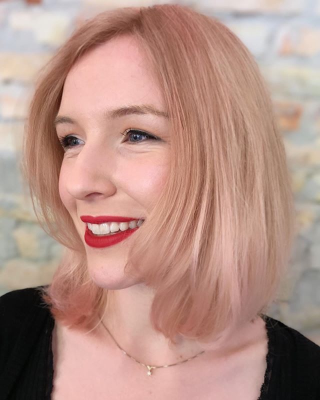 Strawberry blonde🍓 #kevinmurphyhair #kevinmurphy #kevinmurphycolorme #kevinmurphyproducts #kevinmurphysalon #lovekevinmurphy #haircolor #hairstyle #strawberryblonde #redlips #frisør #frisørvesterbro #babylights