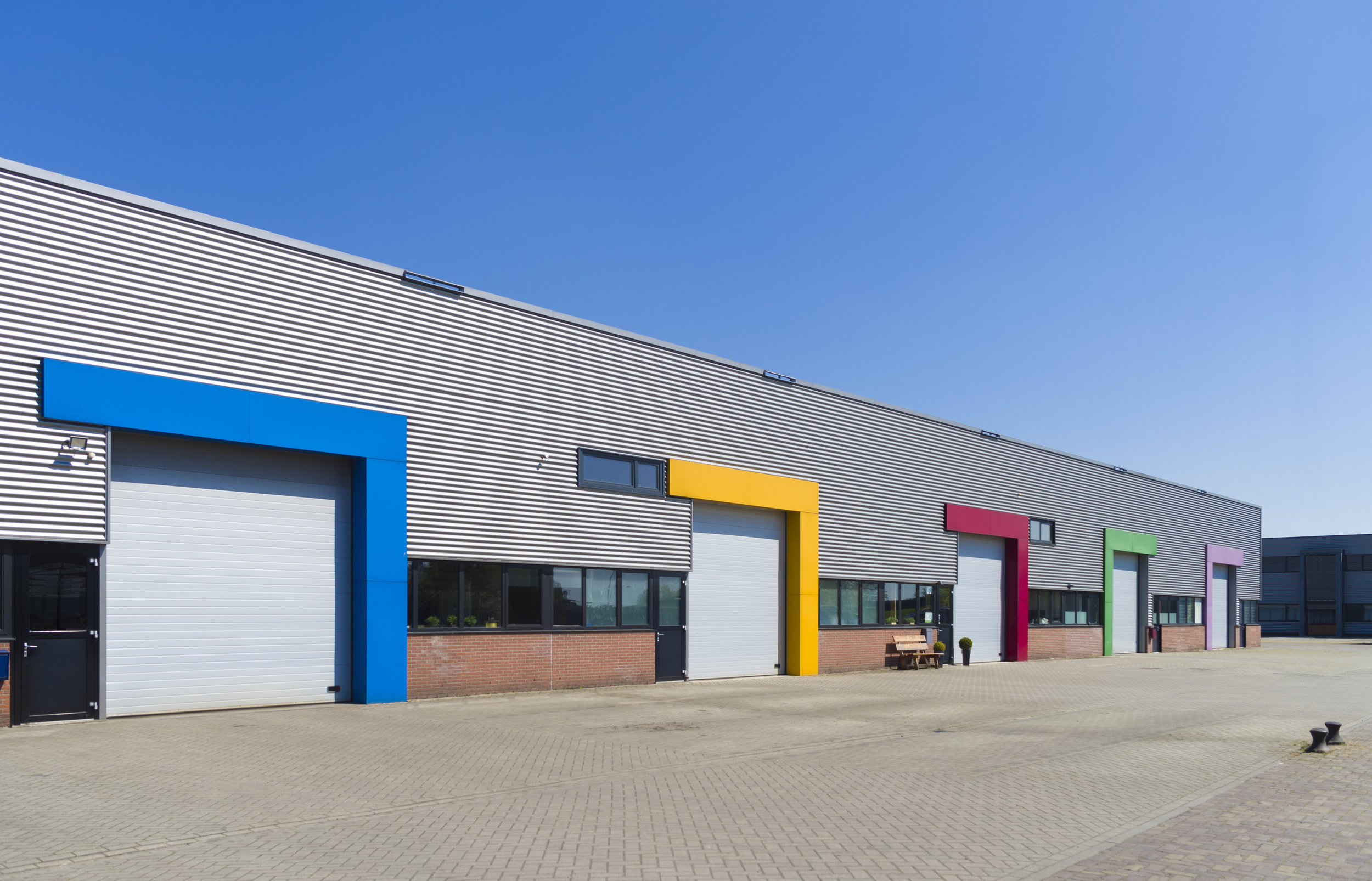Commercial doors range from insulated and non-insulated for internal and external applications to high-performance, sectional-steel and fire-rated doors.