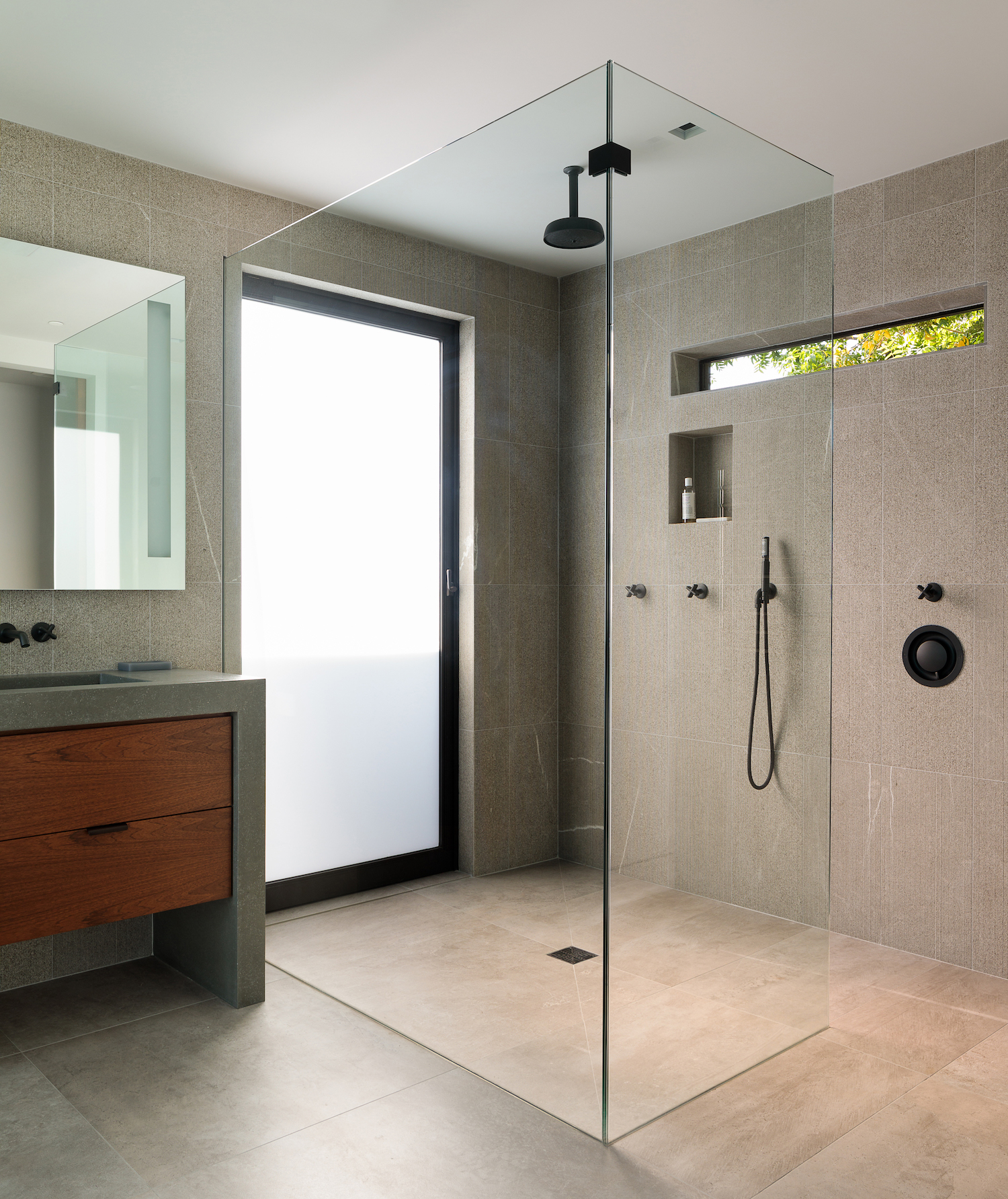 modern-shower-napa-valley-home.jpeg