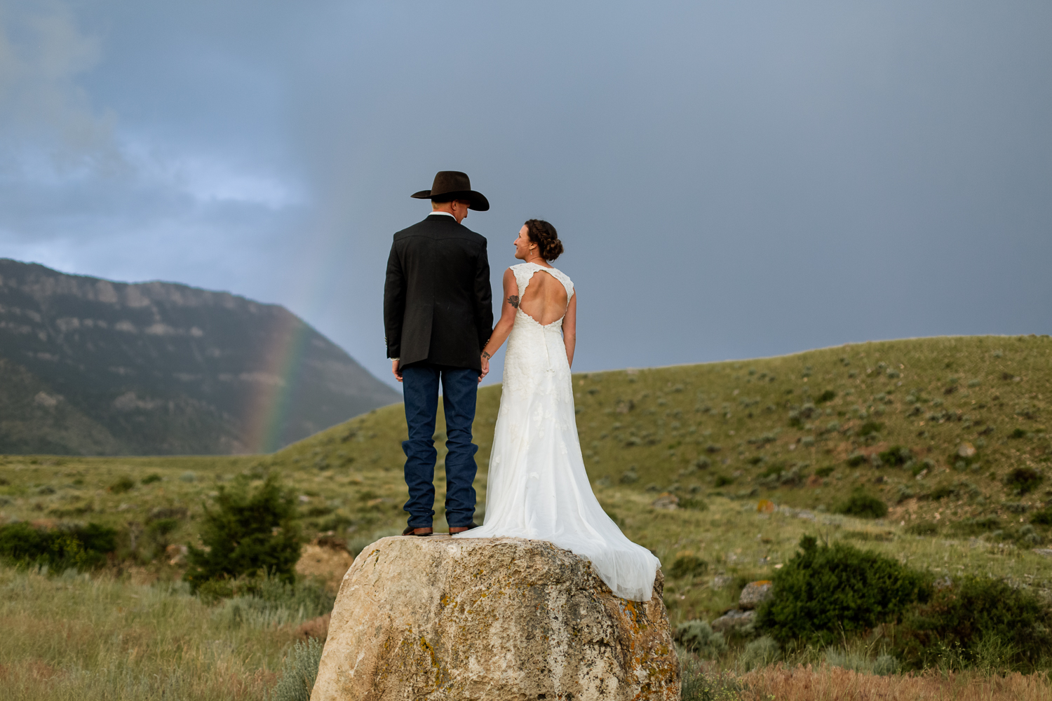 elements-of-light-montana-rainbow-wedding.jpg