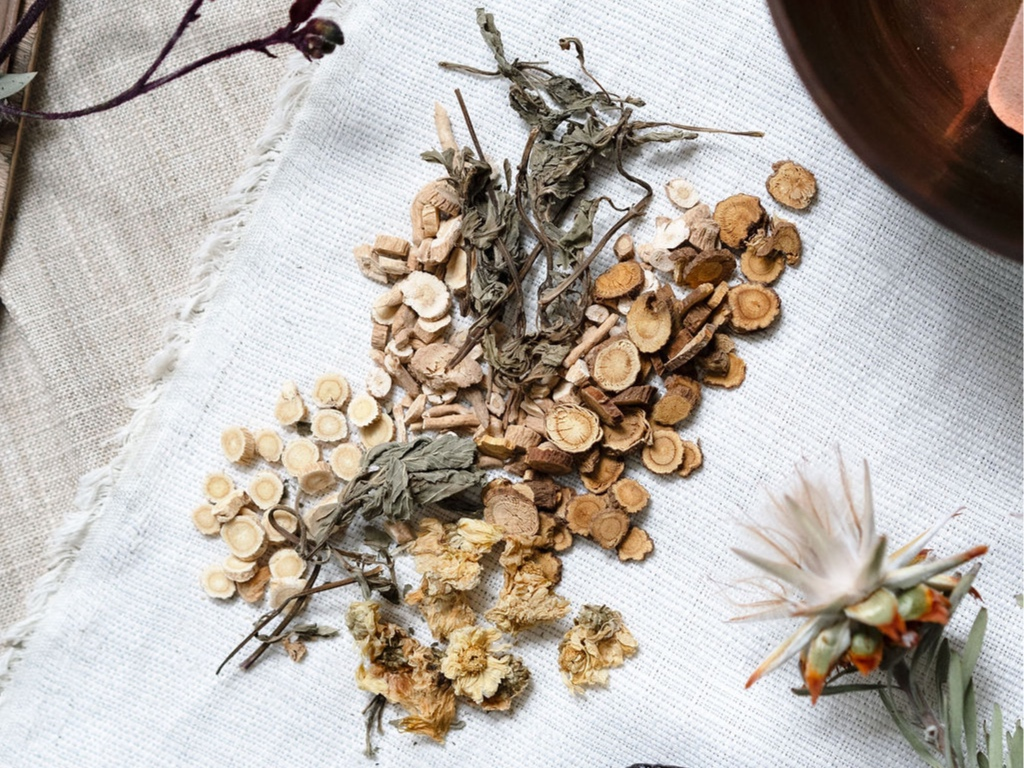 Traditional Tonics - Raw plant medicinal tonics. Traditional wisdom for modern day health. Rooted in the foundation of Chinese Medicine backed by modern day science. Everyday health optimization options with raw plant medicinal blends.