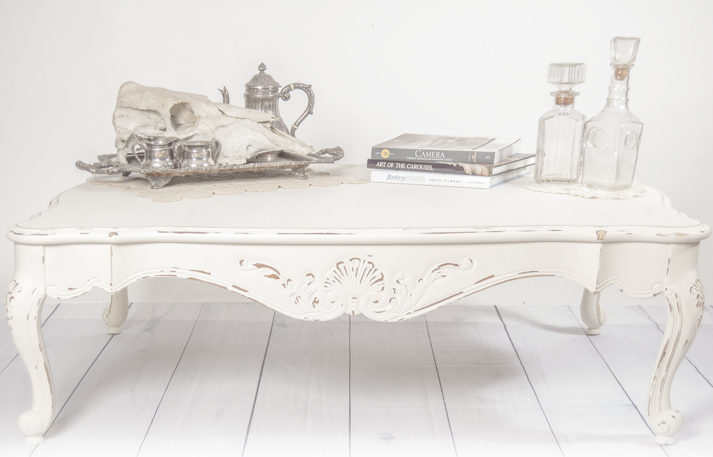 Hannah Kathryn Home - Vintage Inspired Custom Furniture, Decor, and Interior Design.Curated Collection of Antique Housewares.