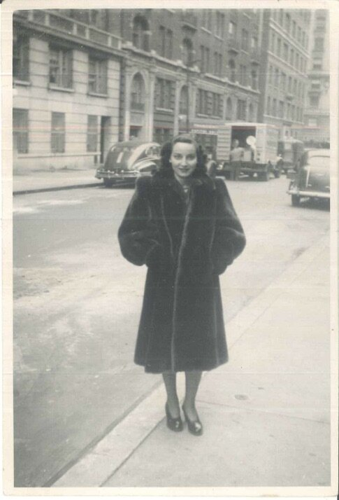 Dorrit in New York, soon after arriving from Holland, at the start of a new life, ready to conquer The New World—and my father's heart, 1947.