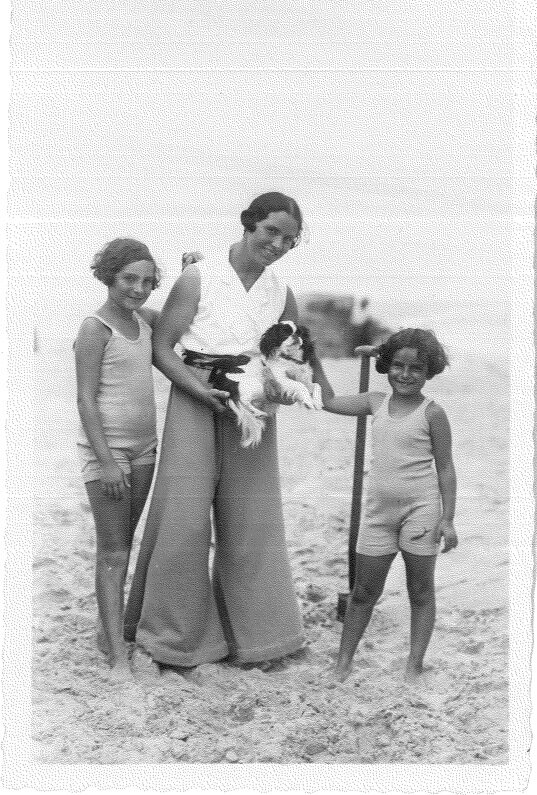 Another beach, another time: Dorrit, Flory, Sybil and spaniel on the beach at Westerland, a resort popular with German Jews, 1932, the year before Hitler was named Chancellor, when the Franks fled to Holland.