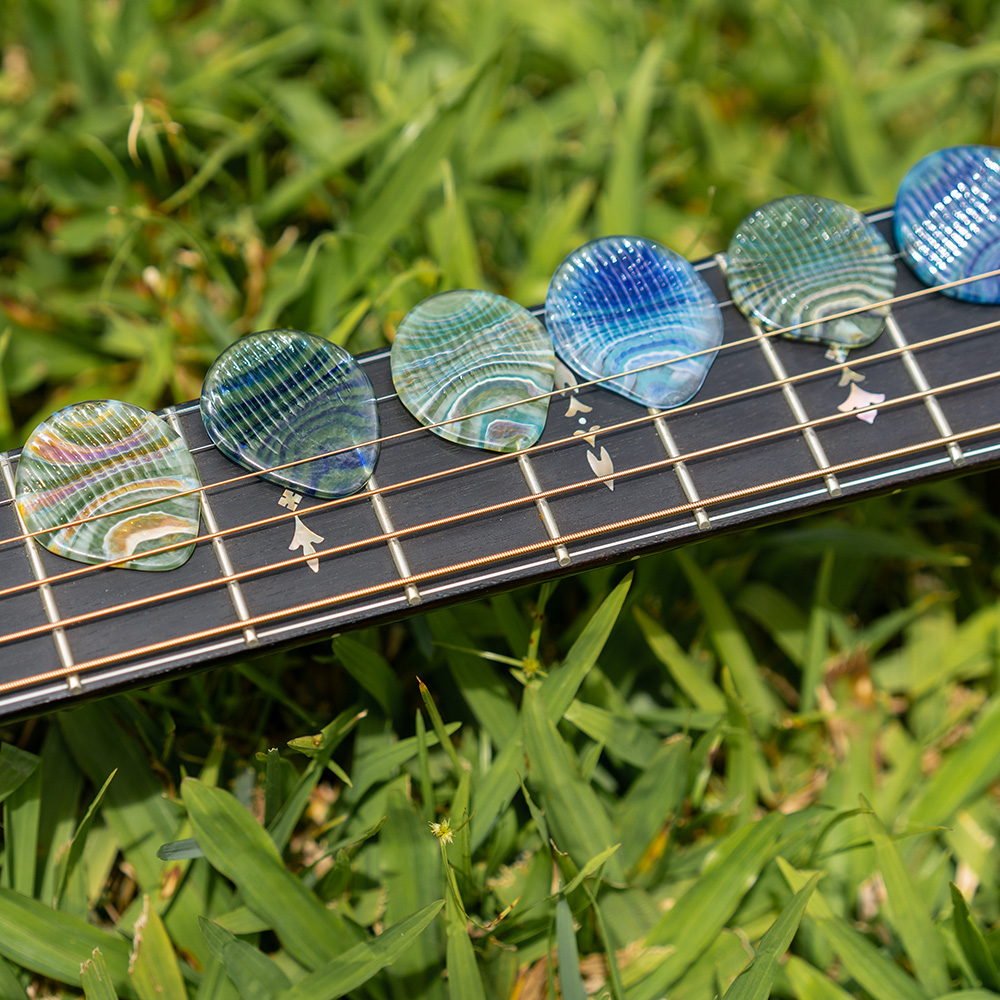 Glass guitar picks