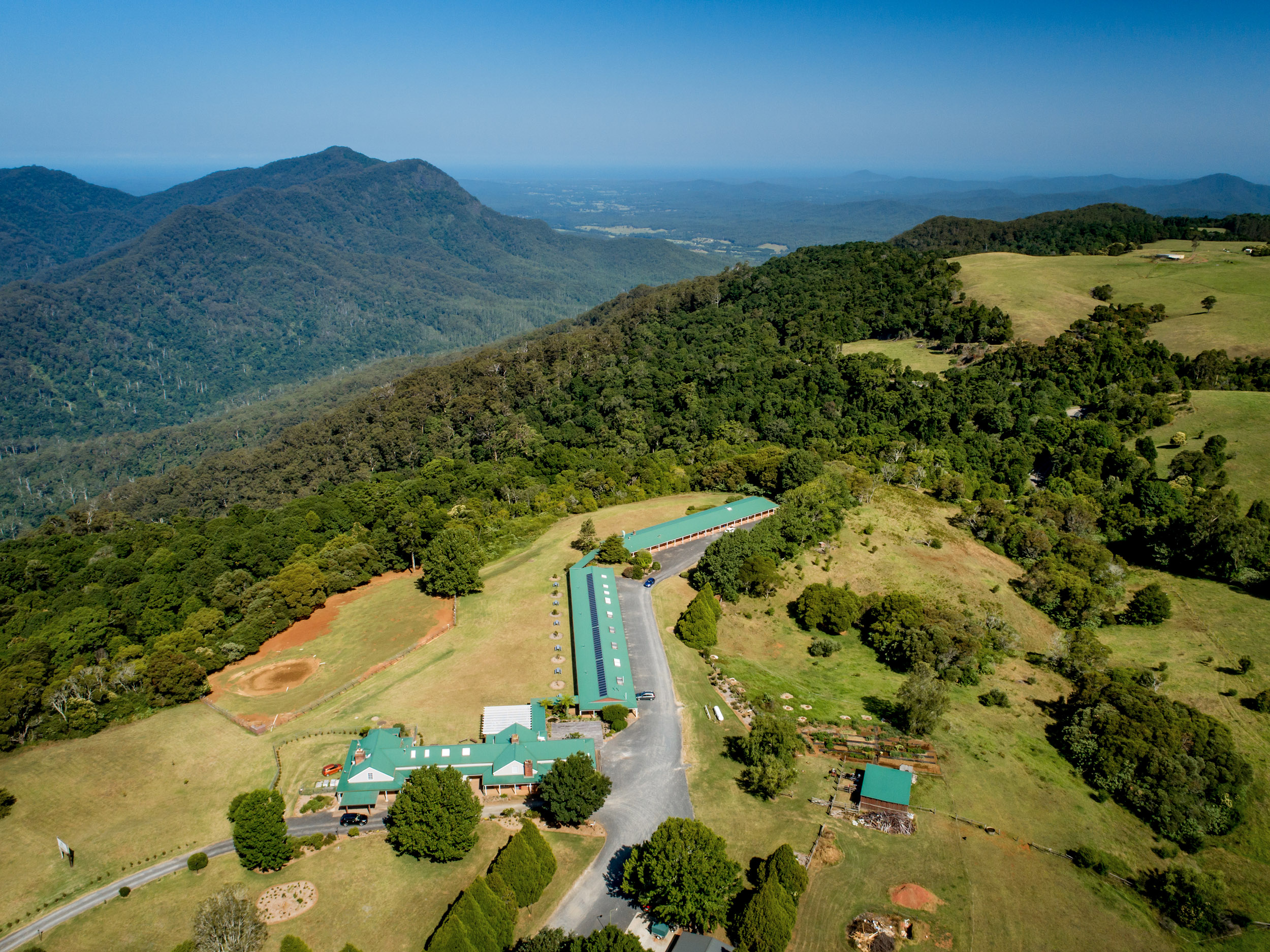 drone photo of dorrigo mountain retreat.jpg