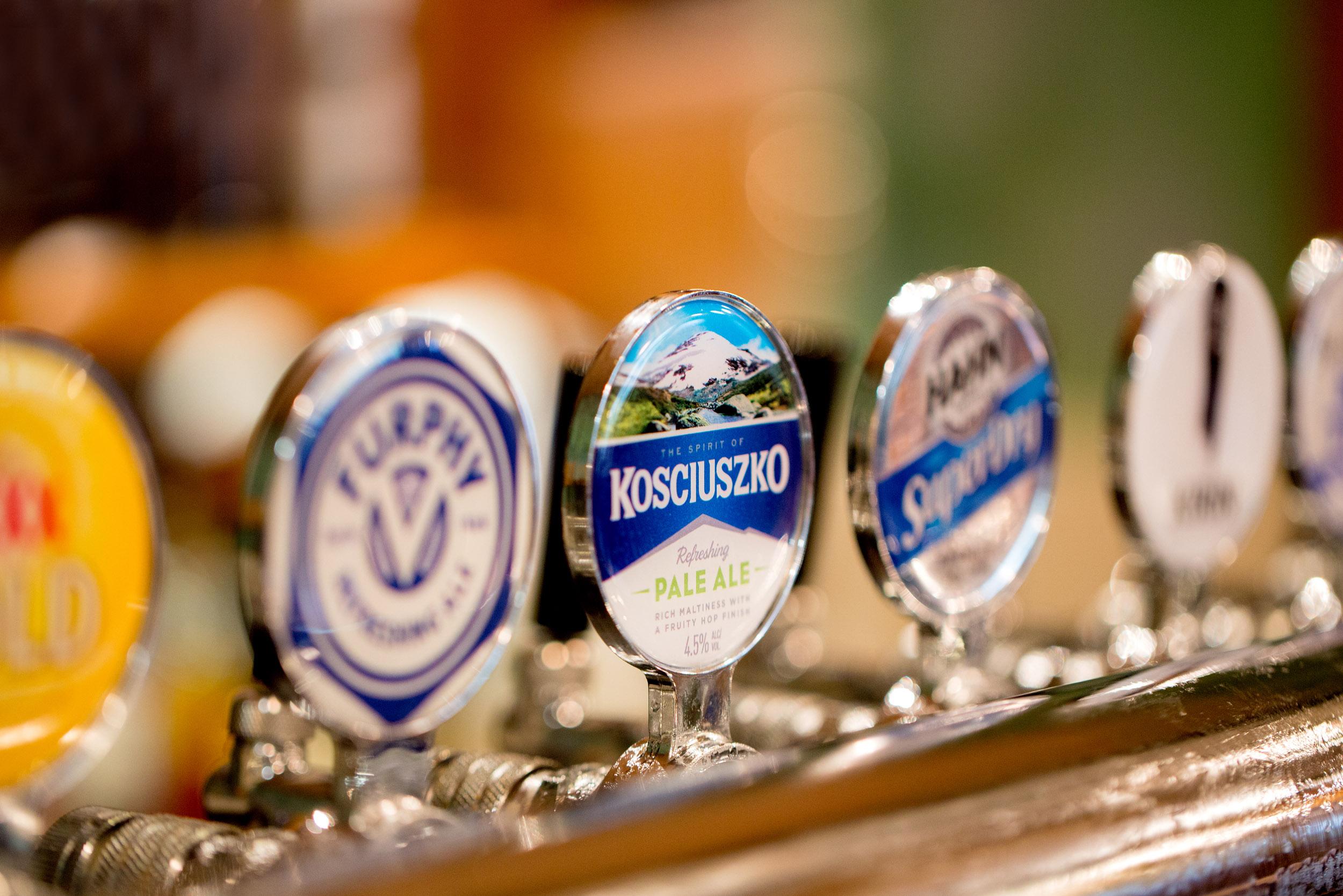 beer-taps-macro