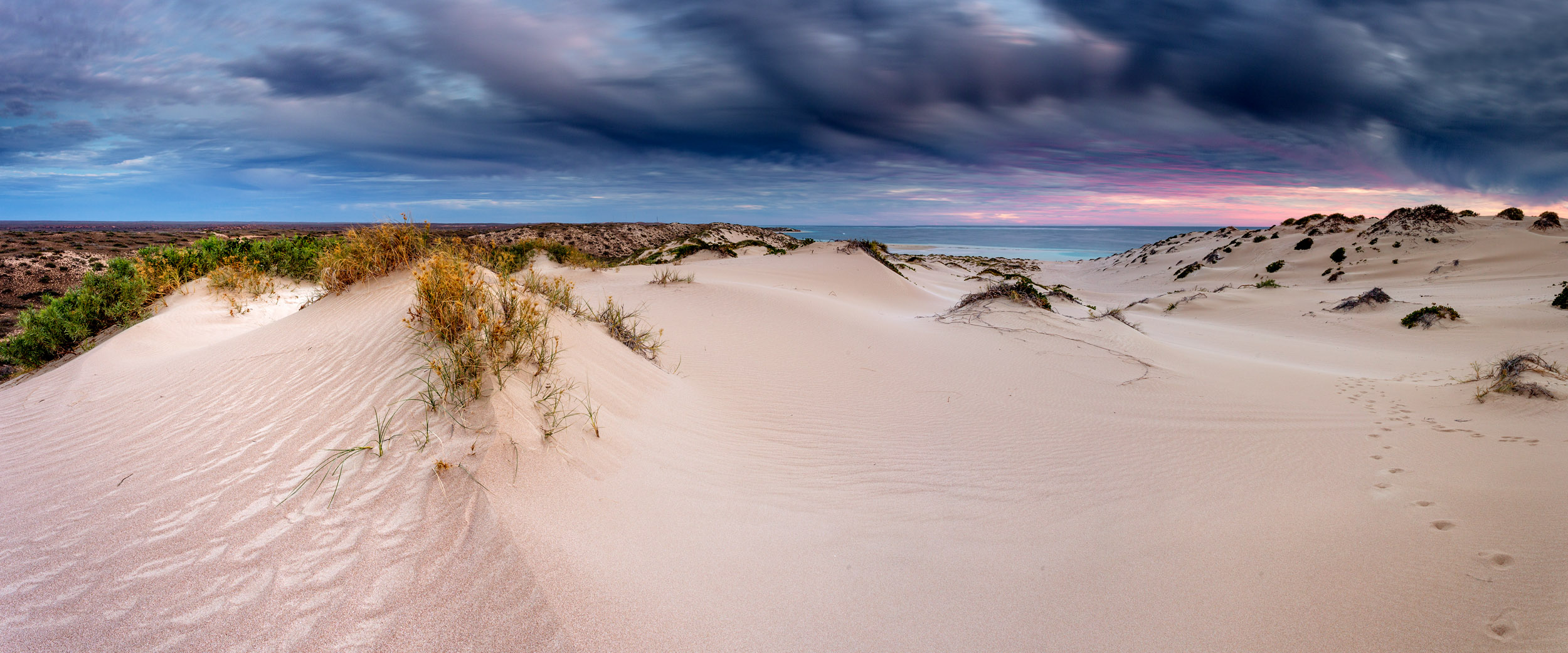 coral-bay-sand-dunes.jpg