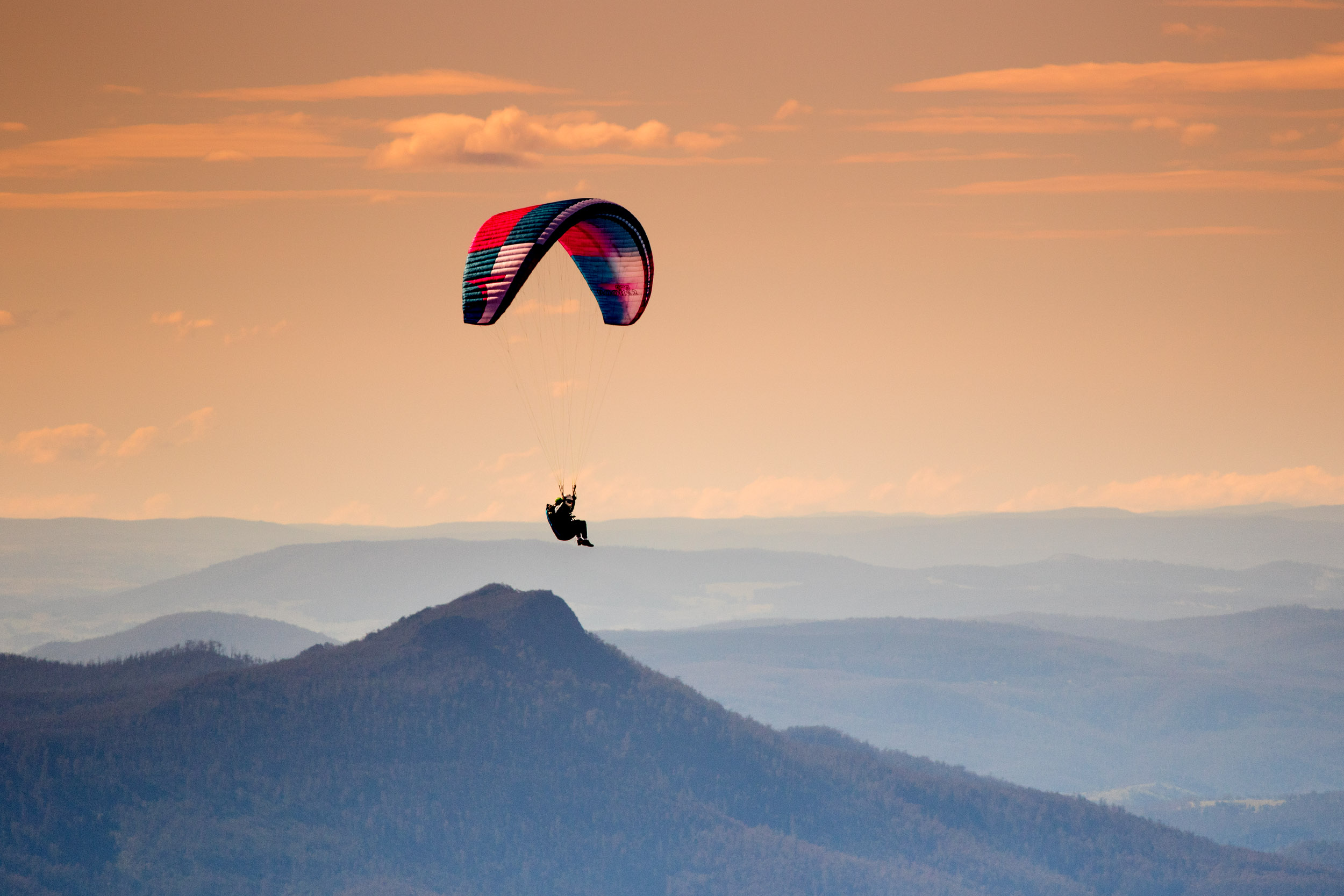 mount-wellington-hang-gliding.jpg
