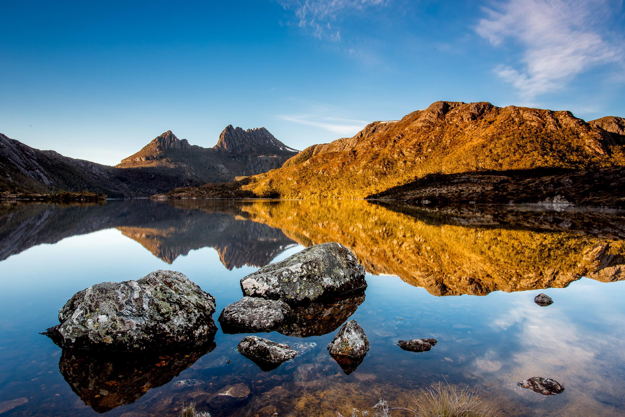 cradle-mountain-glass-tasmania.jpg
