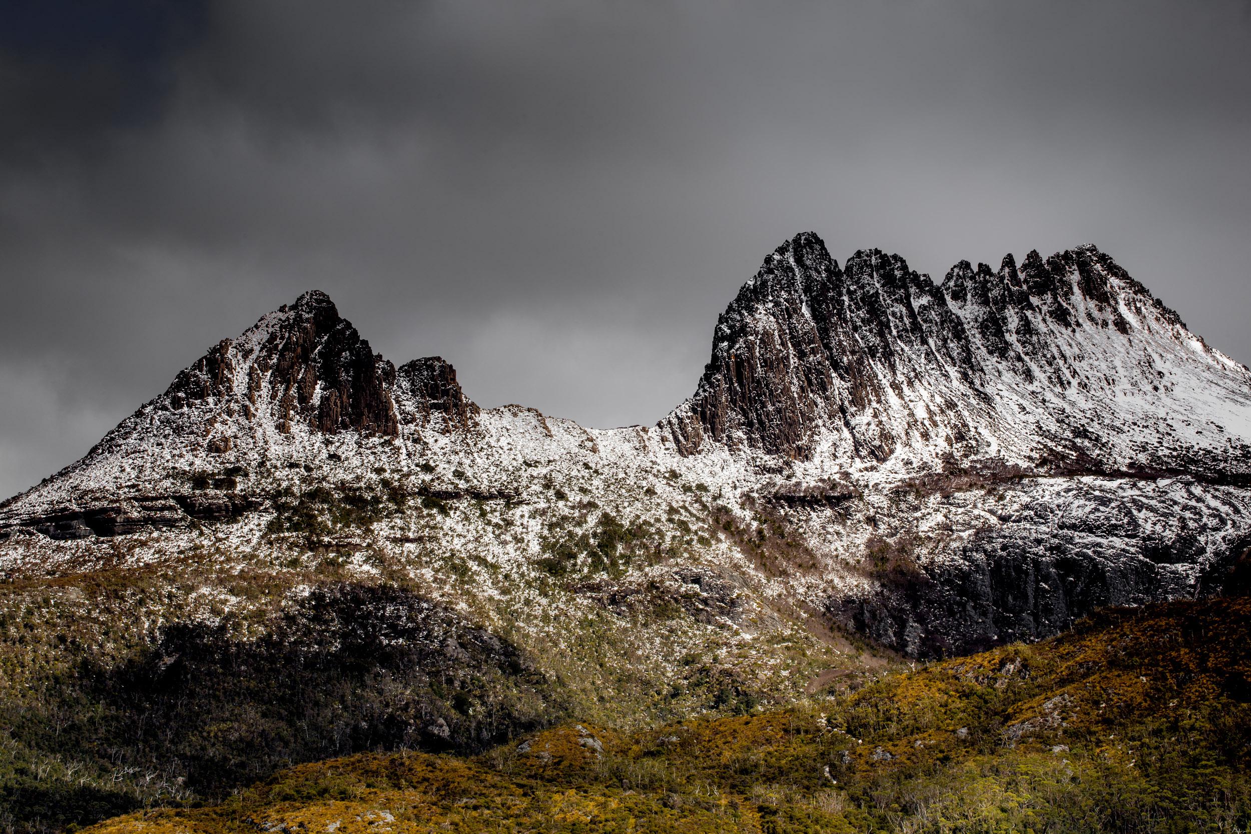 snow-capped-mountains-tasmania.jpg