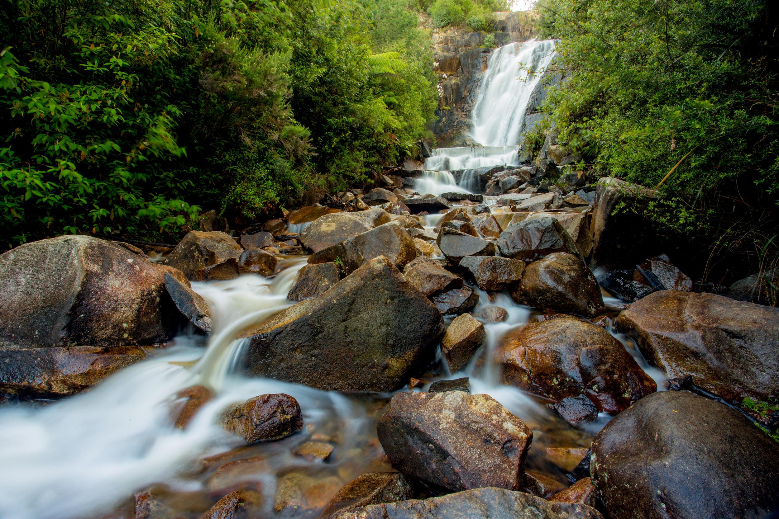 bright-victoria-waterfall.jpg