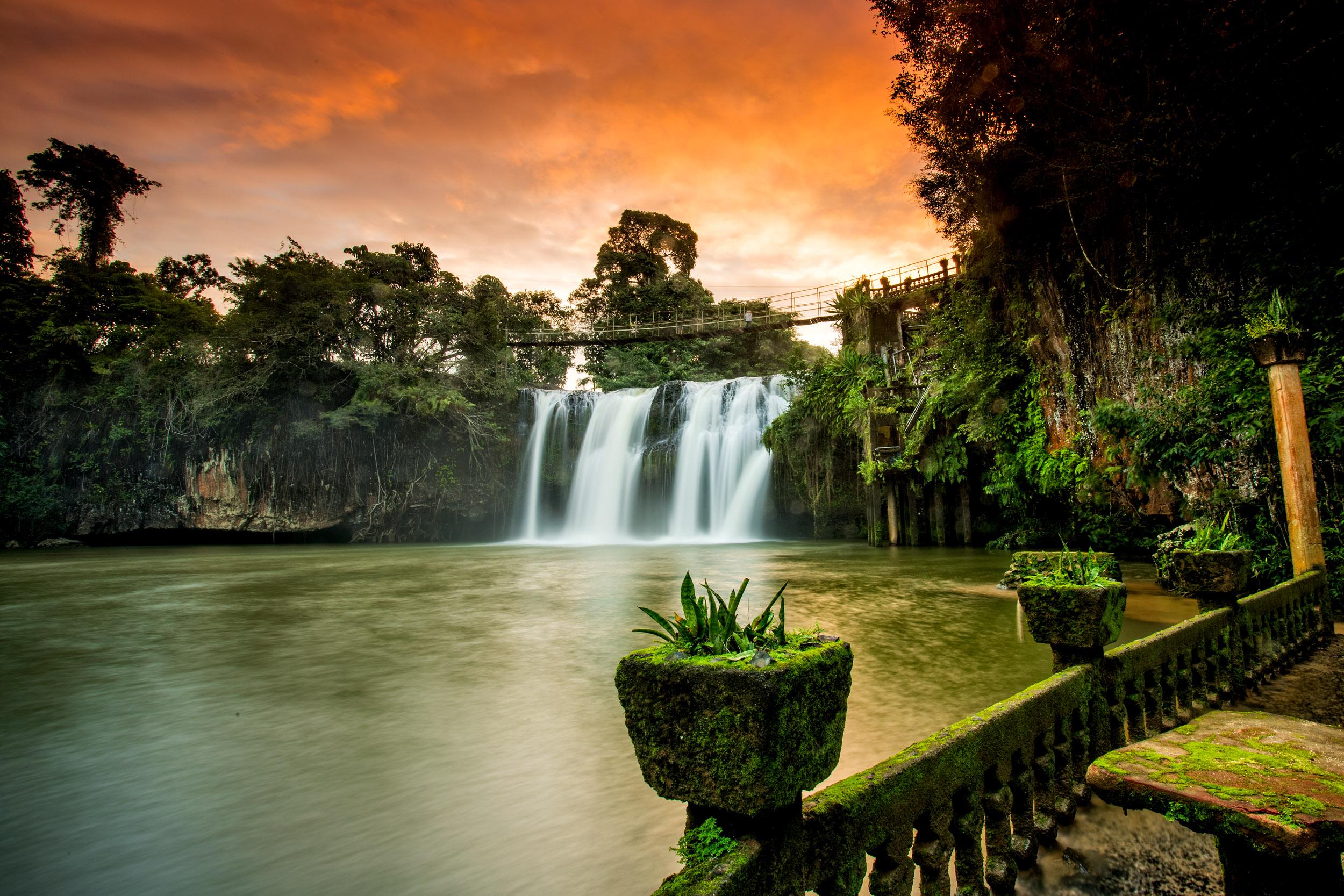 paronella-park-queensland-waterfall.jpg