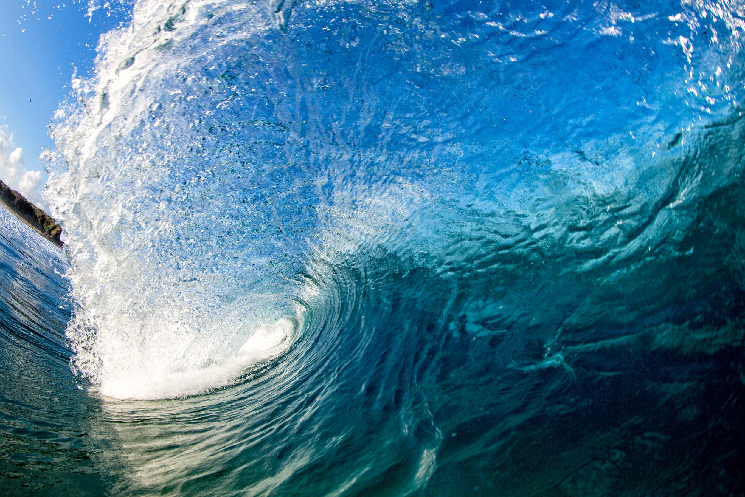 empty-wave-coffs-coast.jpg