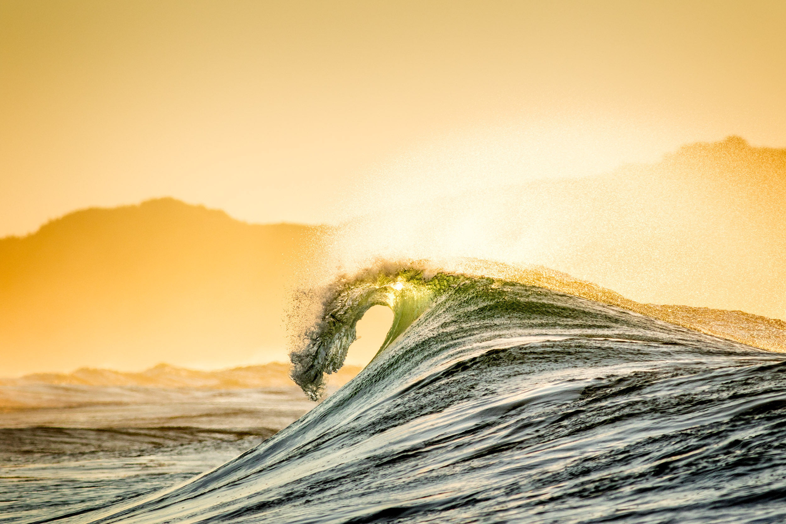 golden-empty-wave-coffs-coast.jpg