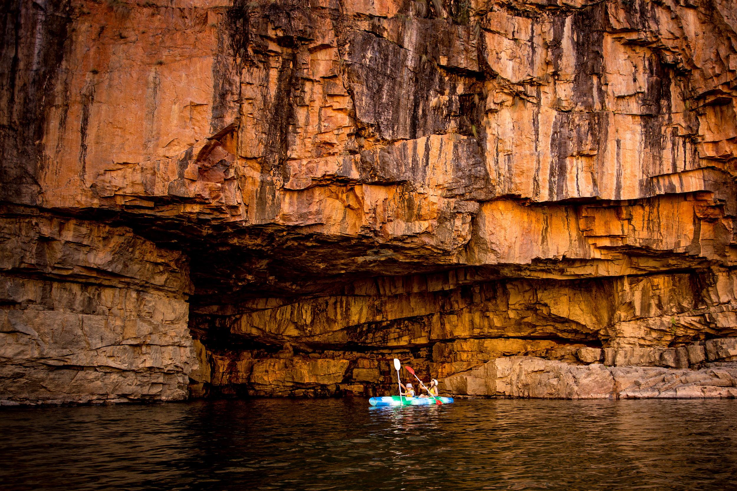 katherine-gorge-canoeing-northern-territory.jpg
