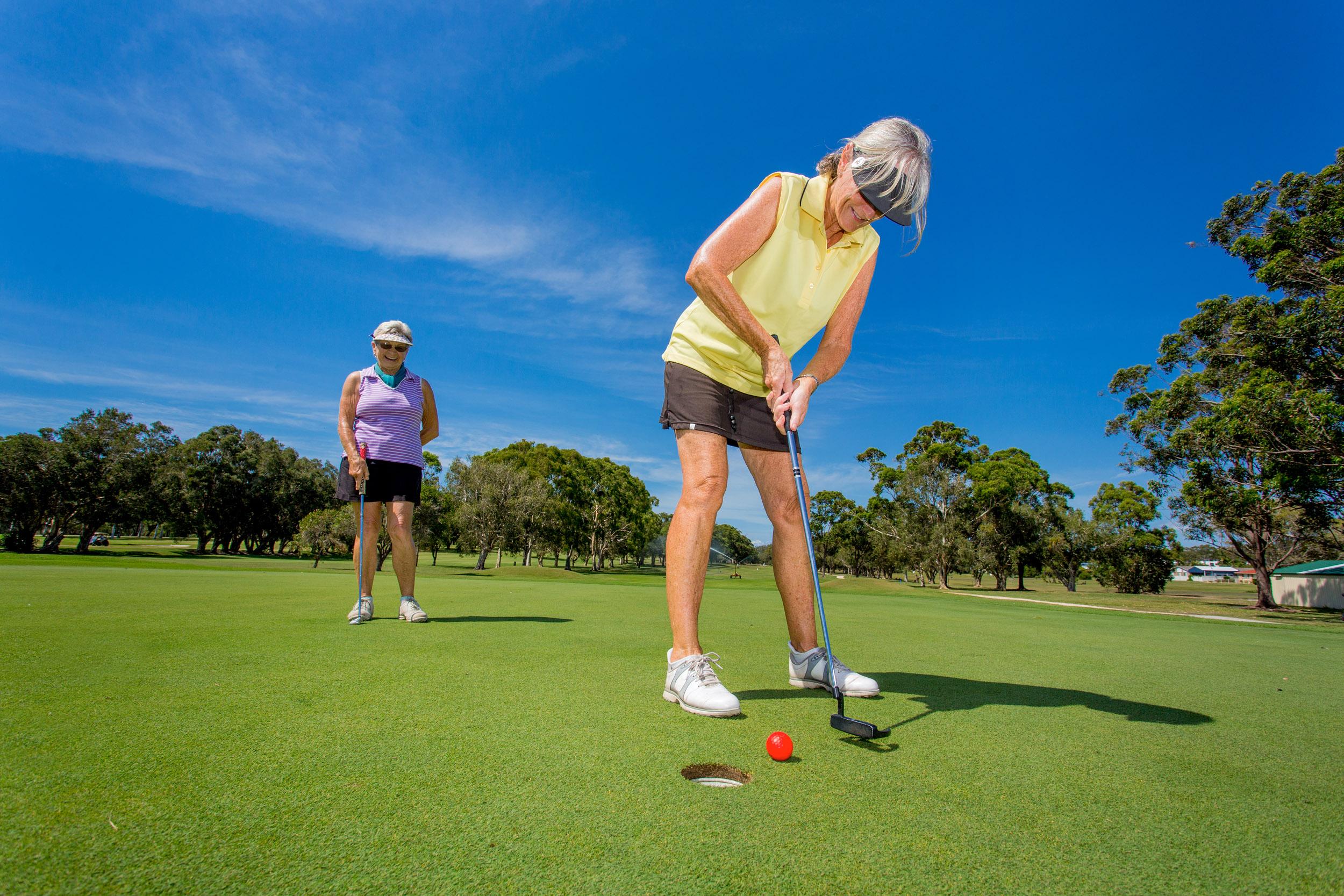 golf-course-photography-putt.jpg