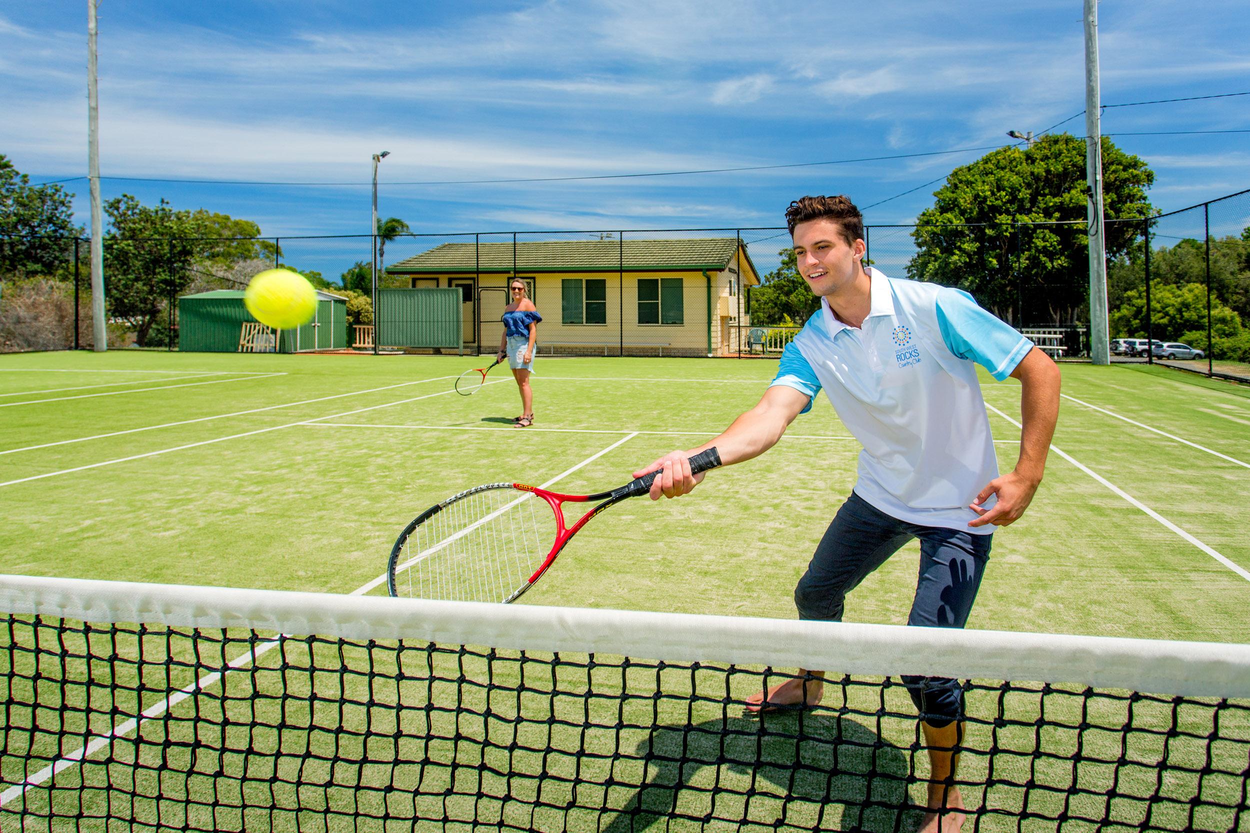 tennis-action-photo-club-social.jpg