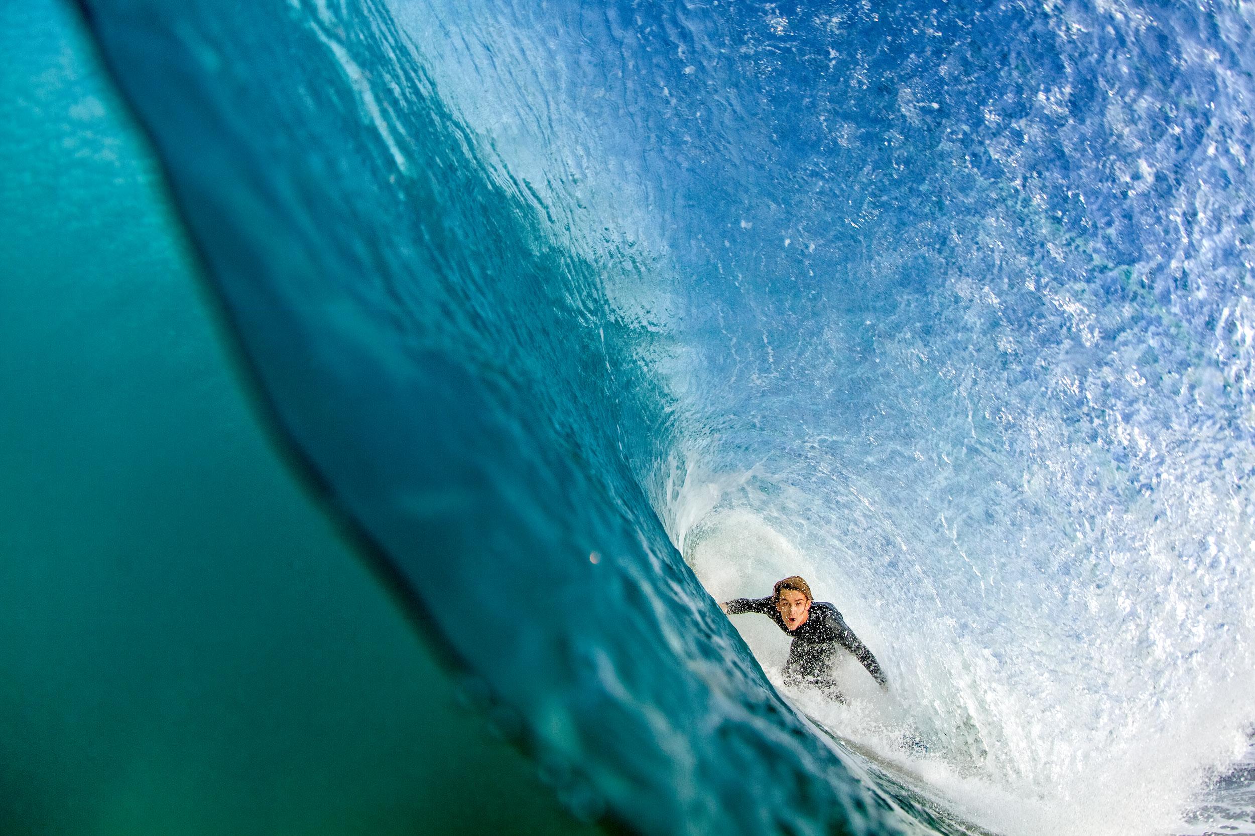 split-level-barrel-shot-surf-photos-S4116-209.jpg