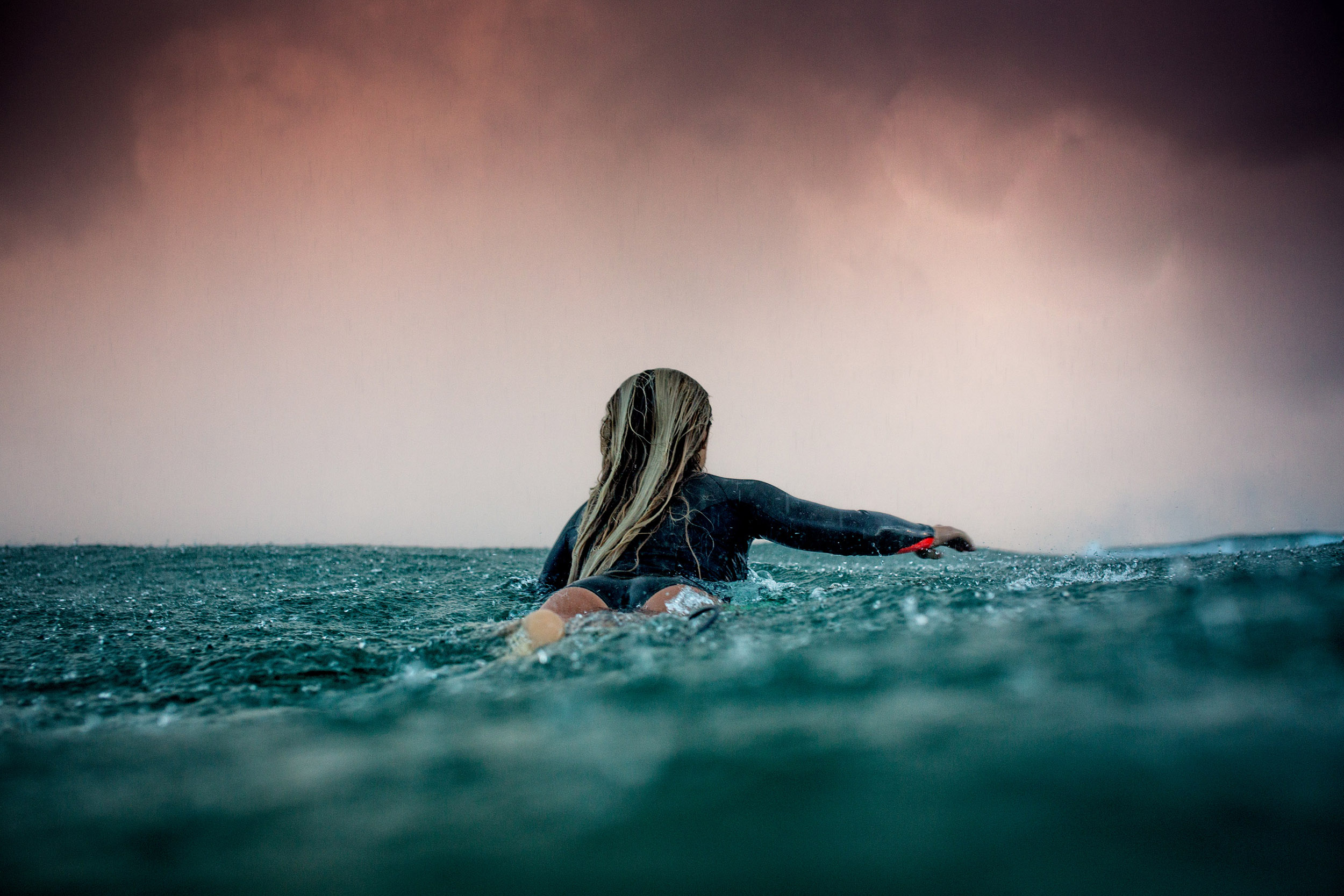 surfing-in-a-storm-surf-photography-S1507-142.jpg