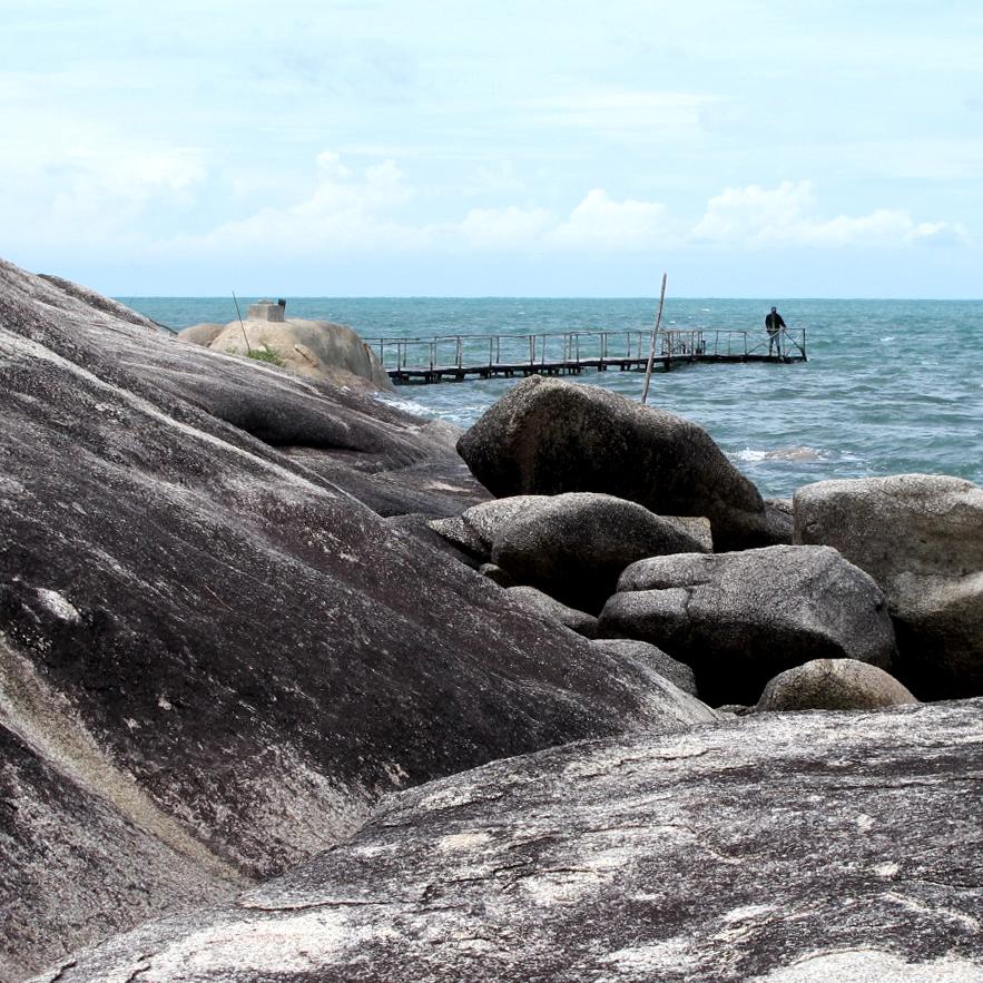 Batu Bedil Trias Granite Rock -