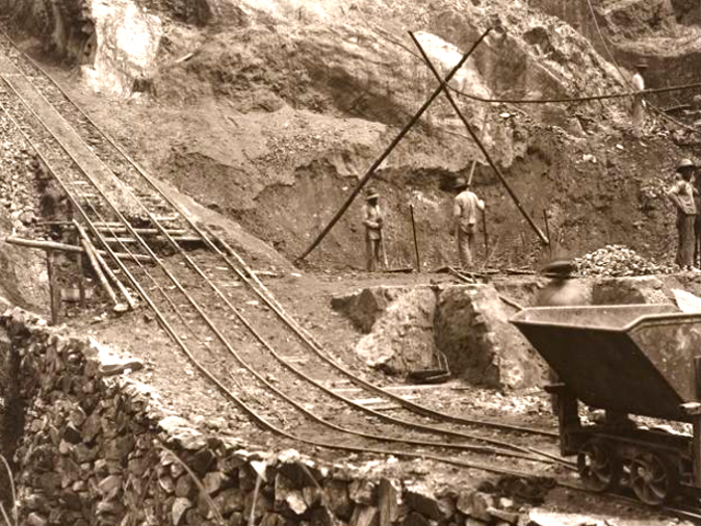 Brake ramp for tipping trailers with tin ore from the Billiton company, 1933. Source: Leiden University Digital Library KITLV.