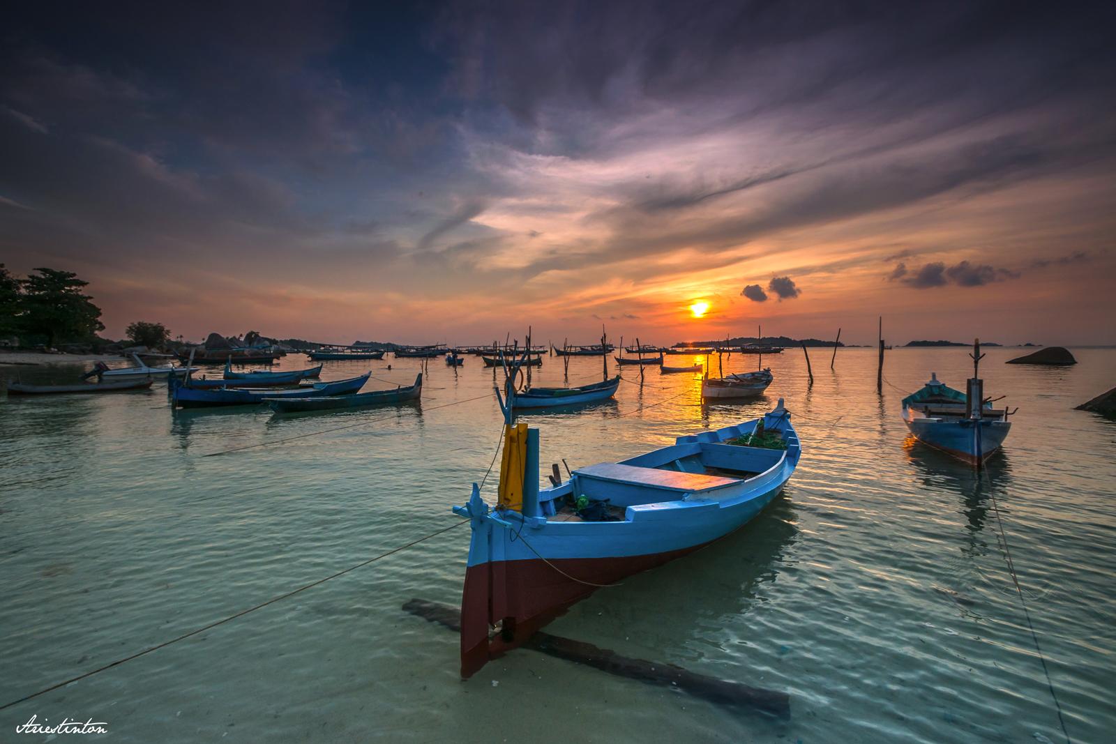 Tanjung Kelayang. Photo by Tinton Ariestanto