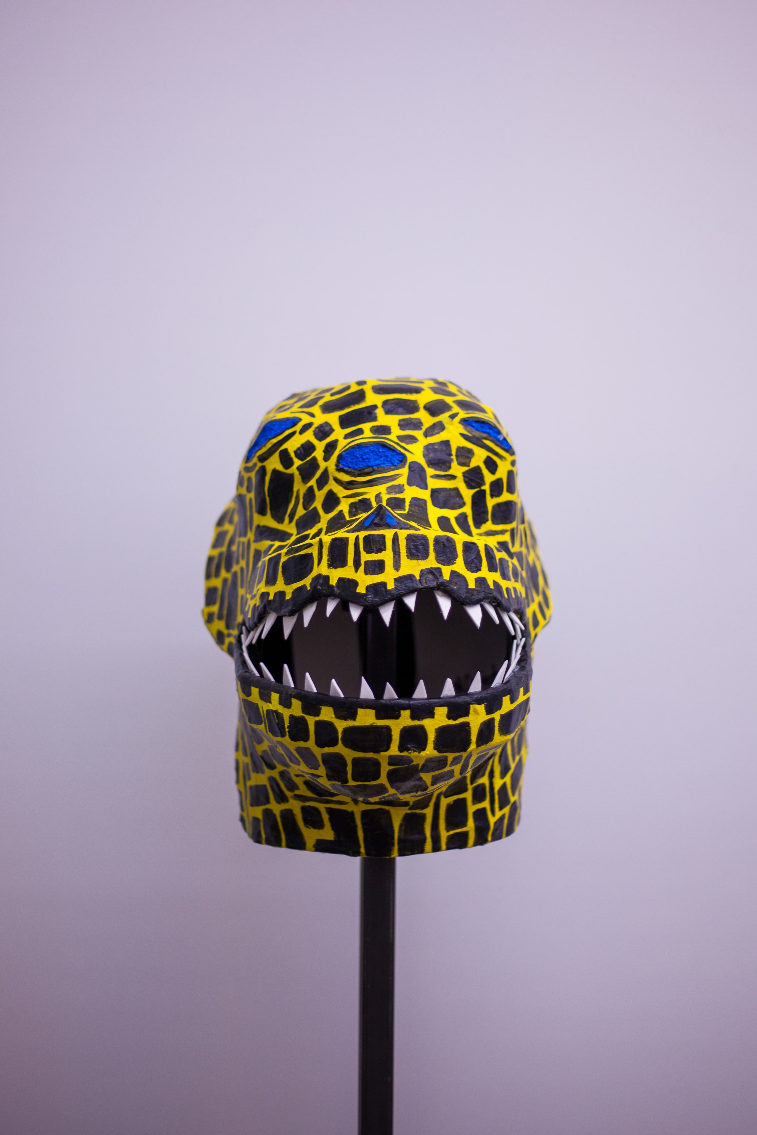 Squalas Mask w/stand