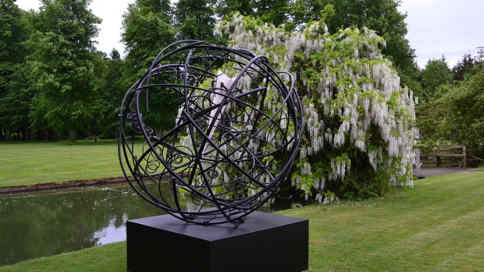 Global Odyssey , Aluminium and steel, 250 × 200 × 200 cm