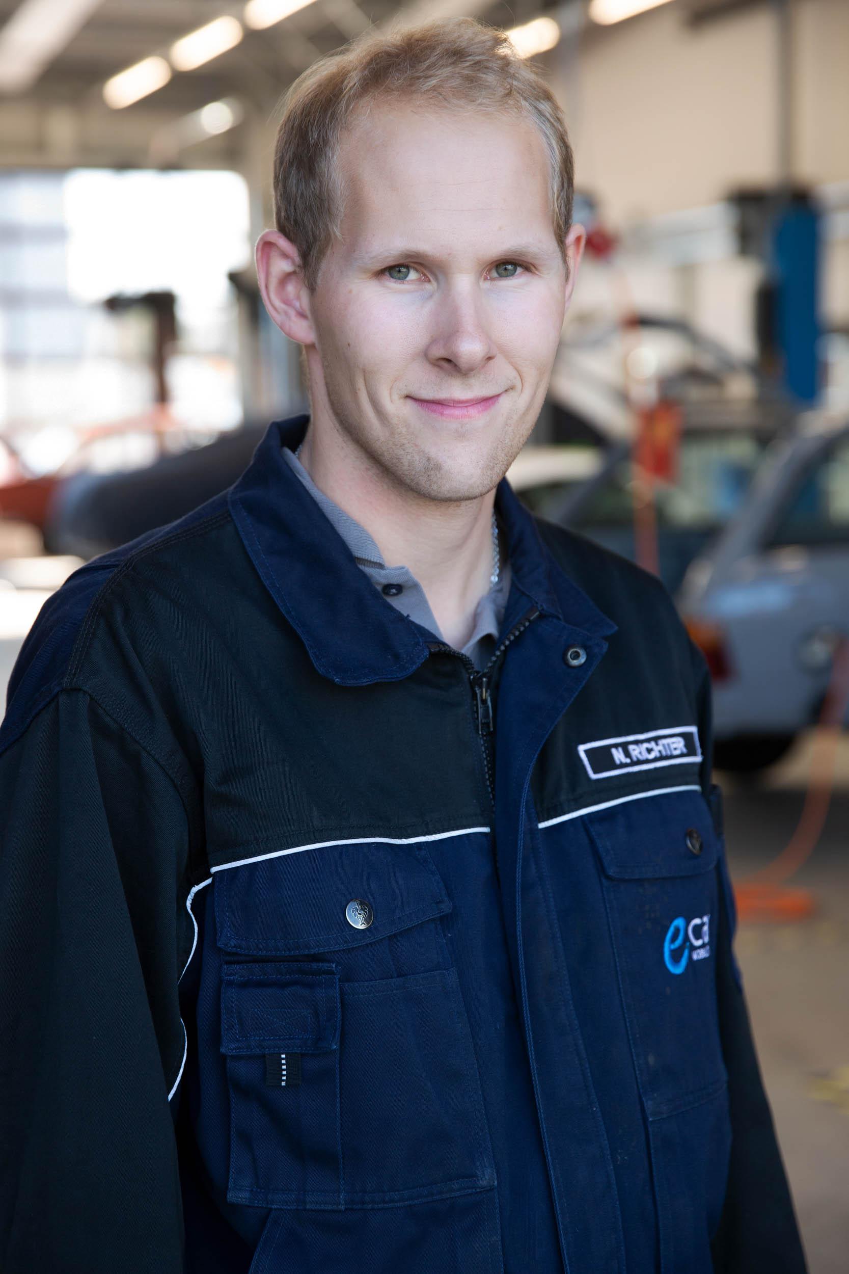 Niclas Richter | Mechatronics Technician nri@ecap-mobility.com