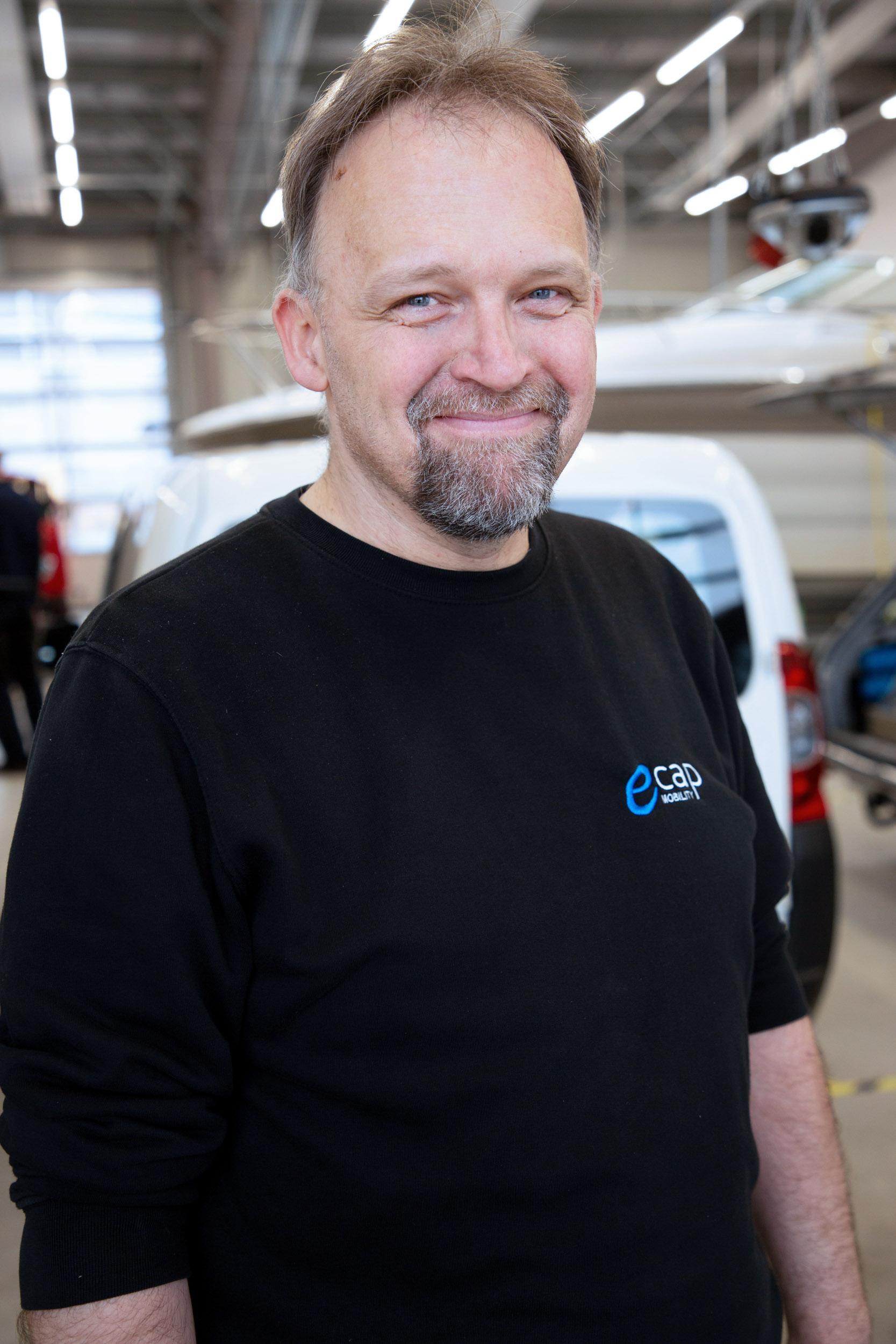 Bernd Goos | Mechatronics Technician bgo@ecap-mobility.com